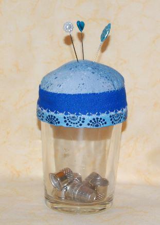 Glas fra sennep som nålepude
