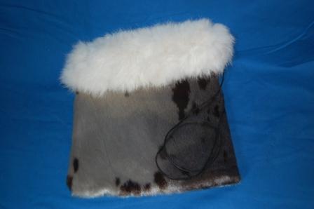 Taske i sælskind med ræveskindshant