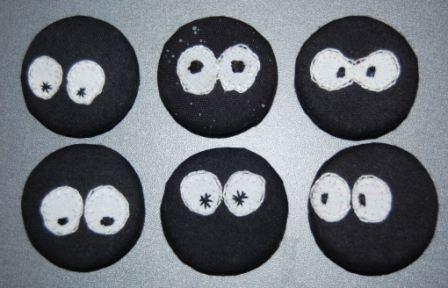 2 øjne kan give mange sjove udtryk. Prøv selv hvor forskellige ansigterne kan blive.